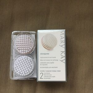 New! Mary Kay  Cleansing Brush Heads